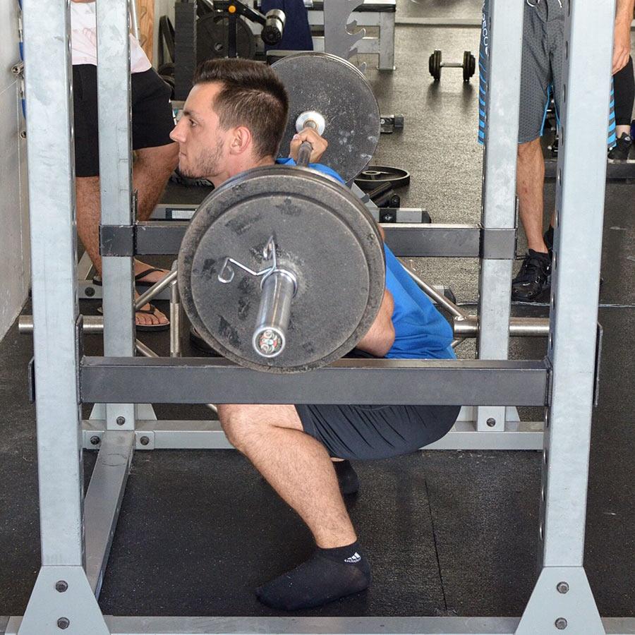 Geoffrey – 20 ans – 22x100 kg au Squat